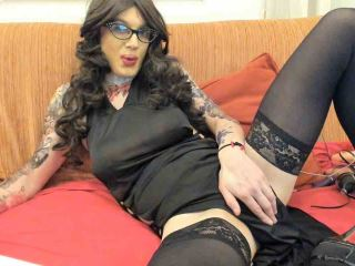 I am turned on when I can satisfy your whishes, dear girls and boys friends!! I am patiante, polite and courios and expect you are the same...