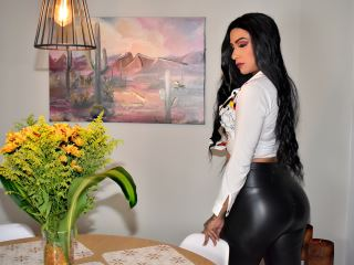 I am a girl full of sexual secrets. Do you want to find out?