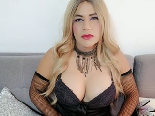 trans girl, accommodating, endowed with big cock, tits and ass, ready to empty my balls on your mouth and ass