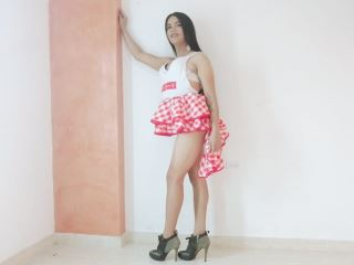 hello i am a beautiful tranny very horny latina